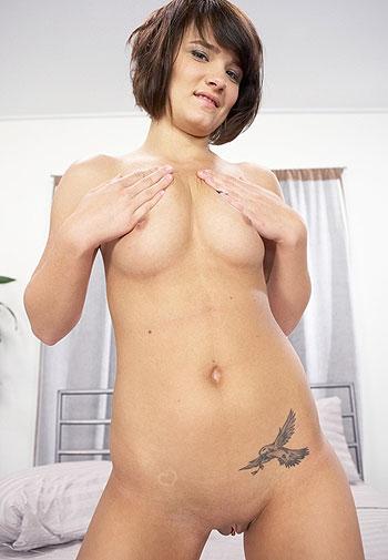 Amateur Girl Next Door Angie Dove hardcore porn