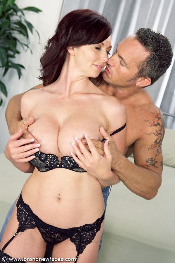 girlfriend sleeping anal sex how to
